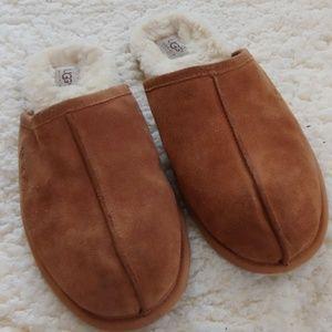 Ugg Men's Scuff Slippers Like New!